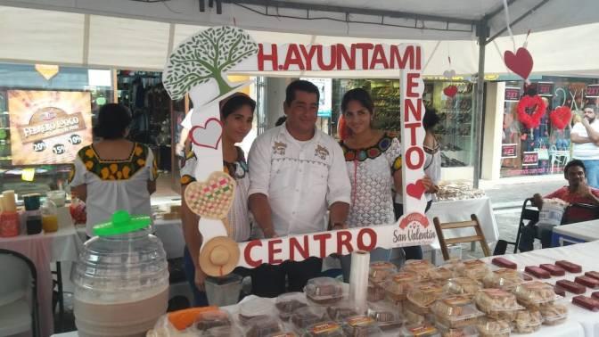 Promueve Centro comercio local por San Valentín