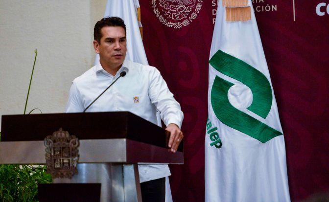 Convoca el gobernador de Campeche a fortalecer el sector educativo para dar mayores oportunidades a los jóvenes