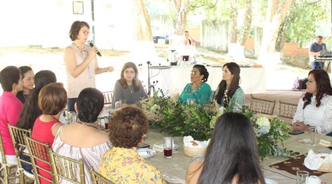 Trabajar coordinadamente para atender a grupos vulnerables: Dea Estrada de López