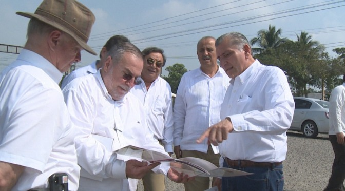 Supervisa Adán Augusto proyectos de modernización vial y refinería