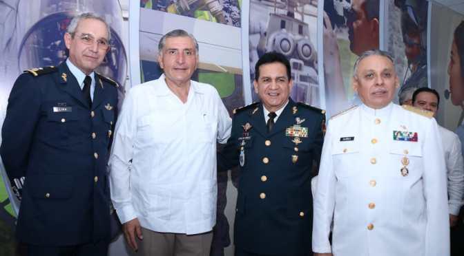Afirma el gobernador Adán Augusto que 'fuerzas Armadas son pilar    institucional'