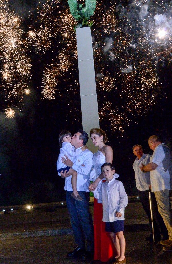 """Inaugura el gobernador Alejandro Moreno Cárdenas """"El Angel Maya"""" en Malecón de Campeche"""