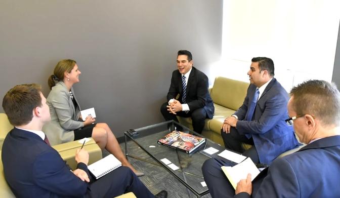 Establece el gobernador Alejandro Moreno Cárdenas acuerdos con Embajadora del Reino Unido en México