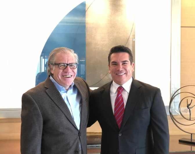 El Presidente de la Conago, Alejandro Moreno, se reúne con el secretario general de la OEA