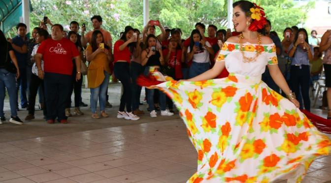 Auténtica tarde tabasqueña en convivio con Cinthia Everardo Mendoza