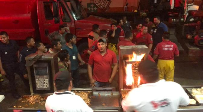 Controla Protección Civil incendio en bodega de Chedraui, y no hay lesionados