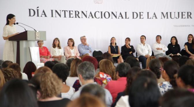 Trabajo conjunto de gobierno y sociedad para combatir violencia de género: Marcos Rosendo