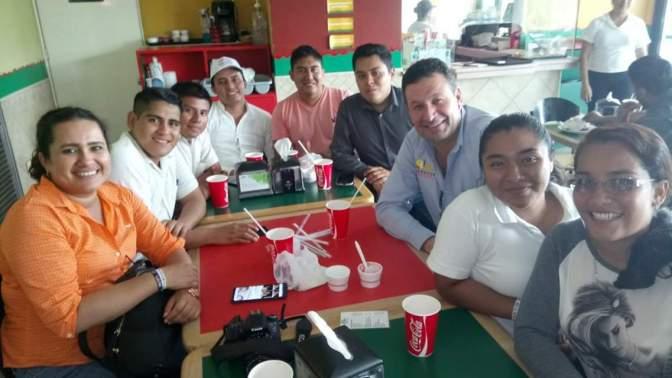 Acusan estudiantes al senador Juan Manuel Fócil de intentar desestabilizar al Tec de Villahermosa.