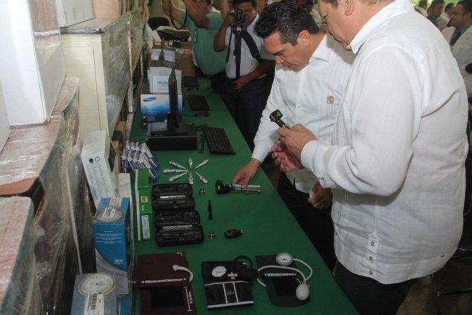 Entrega gobernador Alejandro Moreno equipamiento al Hospital General de Especialidades de Campeche por más de 5.5 mdp