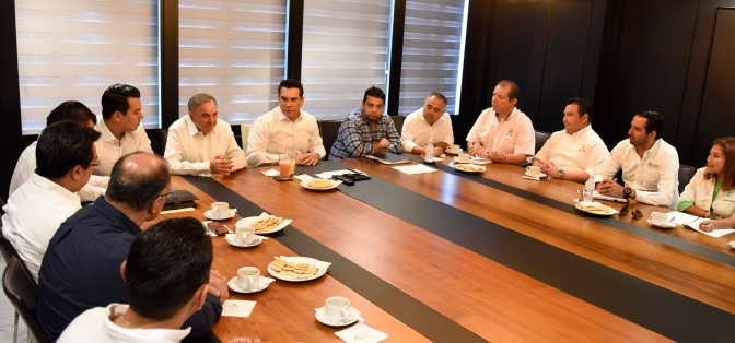Refrenda gobernador Alejandro Moreno llamado a sus funcionarios para seguir atendiendo demandas de campechanos