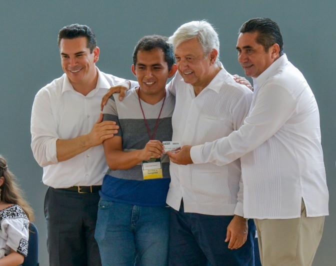 Reitera el gobernador Alejandro Moreno convocatoria a la unidad y trabajo en equipo