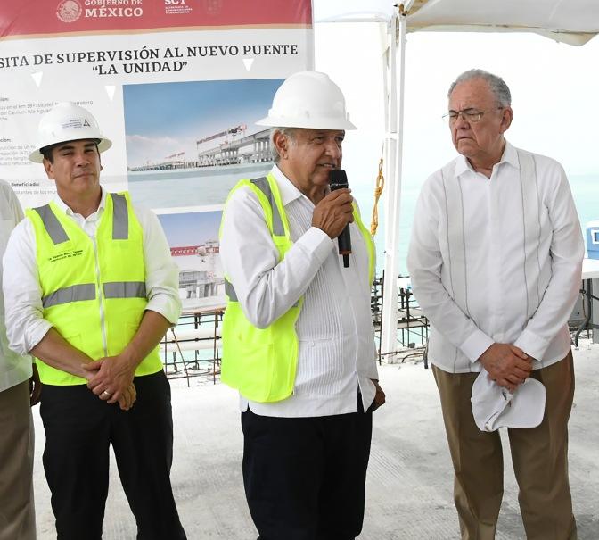 Anuncia AMLO 250 mdp para concluir puente en Campeche tras gestión del gobernador