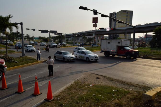 Ya funcionan los semáforos del Distribuidor Vial        La Pigua