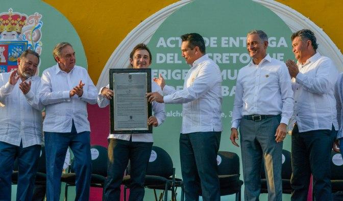 Entrega el gobernador Alejandro Moreno decreto de creación de Dzitbalché como municipio 13 de Campeche
