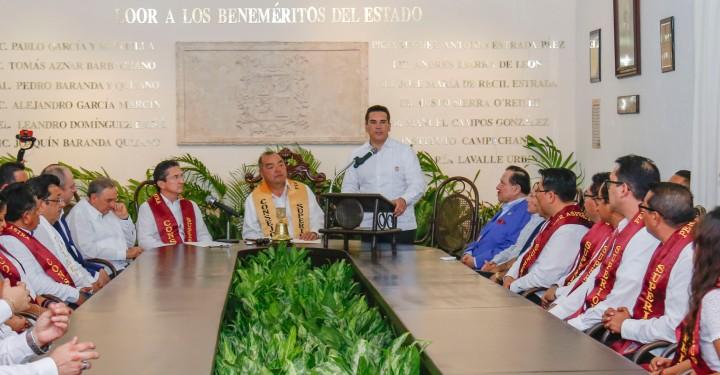 09MAYO2019-ENTREGA DOCTOR HONORIS CAUSA JUAN FCO EALY ORTIZ2.jpg