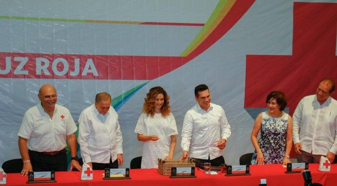 Inicia el gobernador de Campeche colecta de la Cruz Roja 2019 con funcionarios estatales