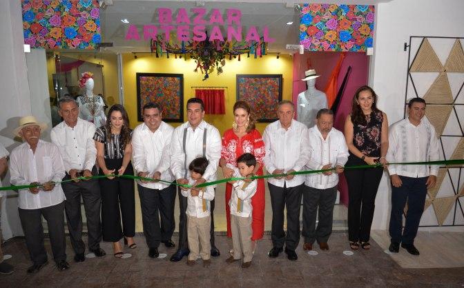 Inaugura Alejandro Moreno nuevo y moderno edificio del Bazar y Artesanal de Campeche