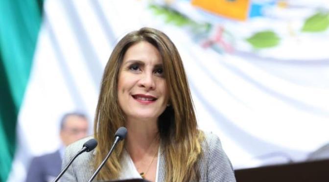 Presenta la diputada Soraya Pérez iniciativa para deducir impuestos a medicamentos
