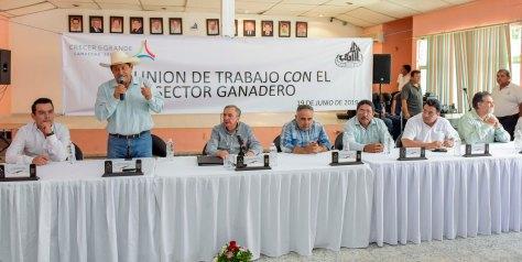 19JUNIO2019-GOBERNADOR CMAG-REUNIÓN SECTOR GANADERO-ESCÁRCEGA1.jpg