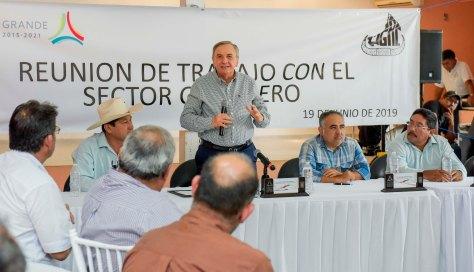 19JUNIO2019-GOBERNADOR CMAG-REUNIÓN SECTOR GANADERO-ESCÁRCEGA4.jpg