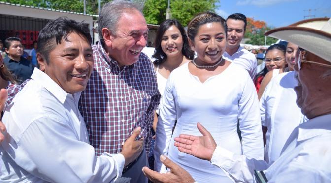 Convoca el gobernador Aysa González a trabajar unidos por los intereses del pueblo
