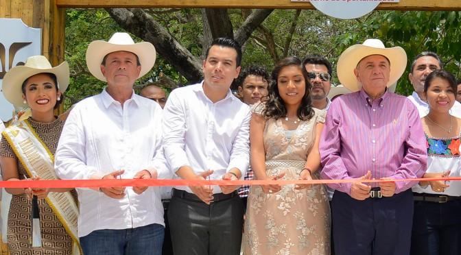 Refrenda el gobernador Carlos Miguel Aysa González apoyo total para reactivar economía de Carmen