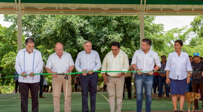 Más de 4MDP entrega gobernador Carlos Miguel Aysa González en obras de infraestructura para Hecelchakanenses