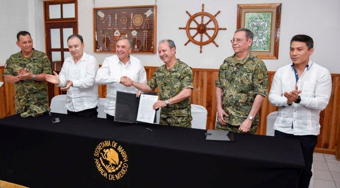 Firman gobernador de Campeche, Carlos Miguel Aysa González, y el secretario de Marina acta para instalar Estación Naval