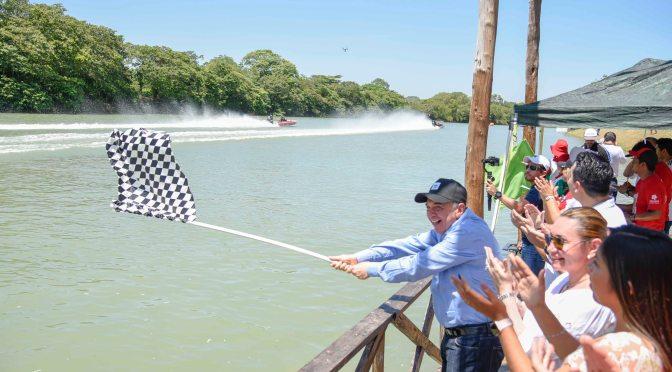 """El gobernador Carlos Miguel Aysa González da banderazo de inicio de Copa Motonáutica Palizada 2019 """"Luis Baena López"""""""