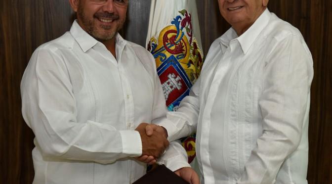 Nombra gobernador Carlos Miguel Aysa González a nuevo titular de la Sedeco de Campeche