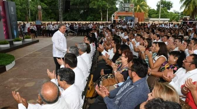 Se pronuncia el gobernador Carlos Miguel Aysa González por suma de esfuerzos a favor de la educación de los jóvenes