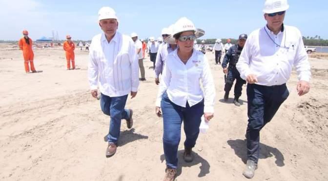 Supervisa Adán Augusto trabajos para construcción de la refinería Dos Bocas