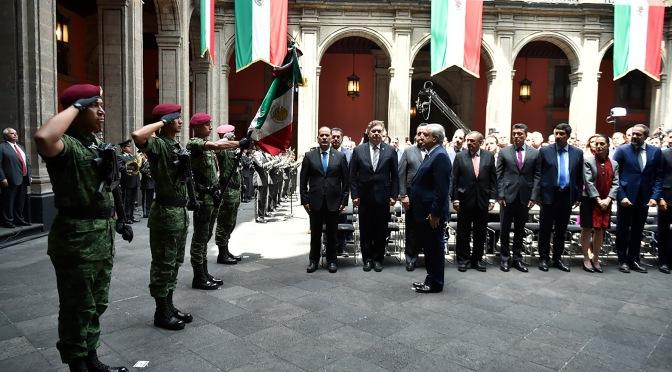 Acompaña el gobernador de Campeche al presidente en su primer informe de gobierno
