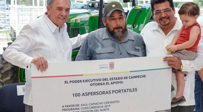 Entrega gobernador Carlos Miguel Aysa González apoyos por más de 37 MDP a productores agropecuarios del sur de Campeche