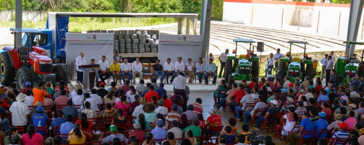 1-18SEPTIEMBRE2019-ENTREGA APOYOS AGROPECUARIOS-HECELCHAKÁN3.jpg