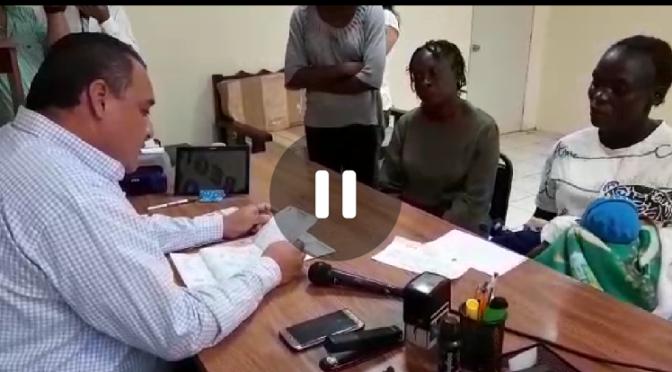 """#Video Migrante africana registra a su hijo con el nombre de """"Andrés Manuel López Obrador"""""""