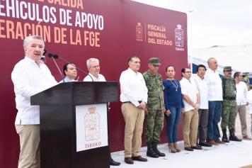 FOTO AALH ENTREGA DE VEHÚCULOS FGE (19)